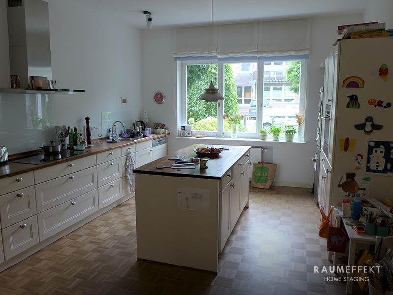 raumeffekt-Home-Staging-bewohnte-Immobilie-Küche-vorher