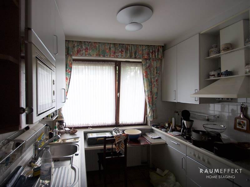 raumeffekt-Home-Staging-erbimmobilie-Kueche-vorher