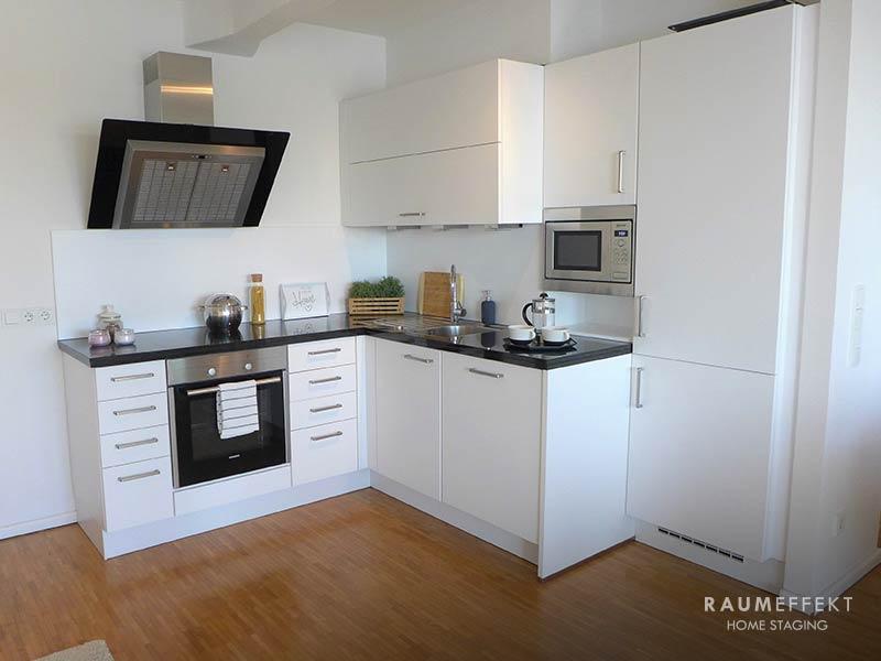 raumeffekt-Home-Staging-leerstehende-Immobilie-Kueche-nachher