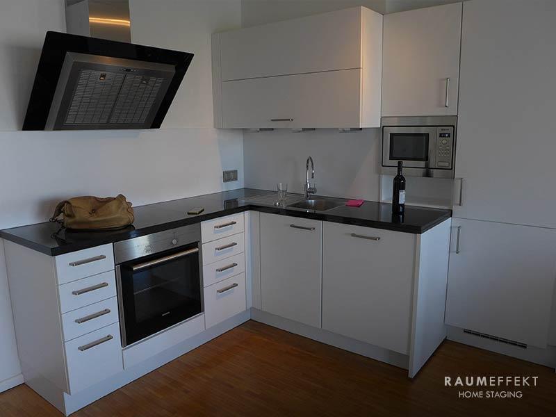 raumeffekt-Home-Staging-leerstehende-Immobilie-Kueche-vorher